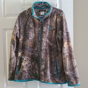 2x real tree camp and teal jacket